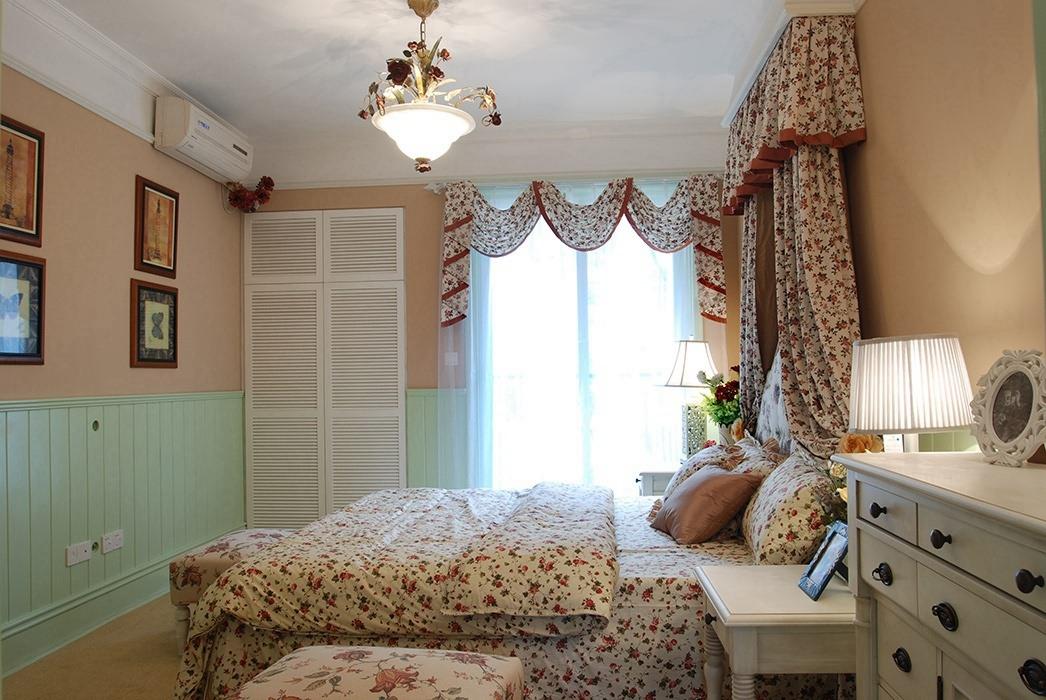 二居室卧室背景墙装潢样板间