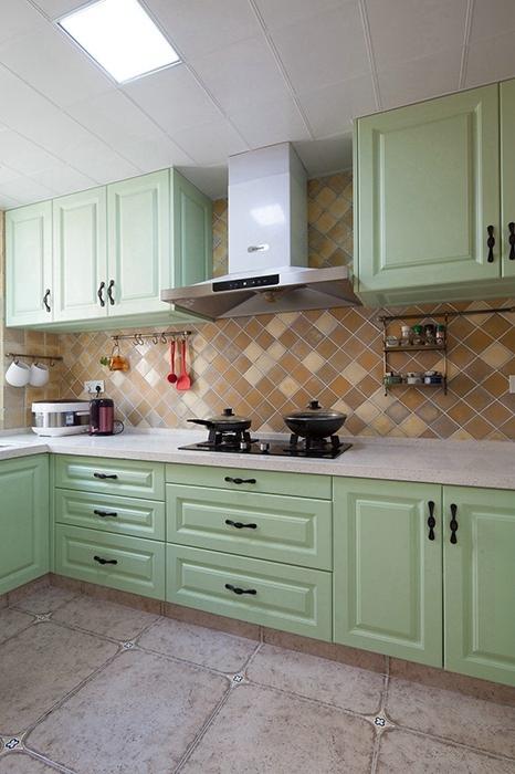 198平米厨房橱柜家装实景图