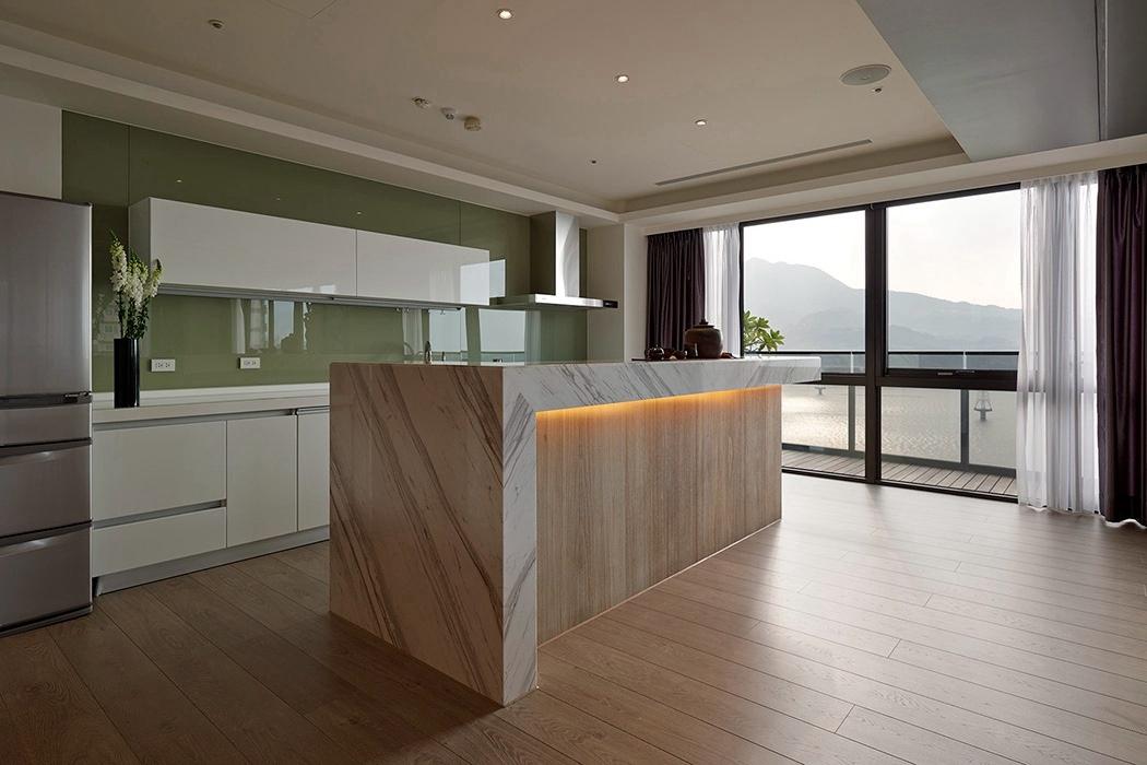 港台风格厨房橱柜装修样板间