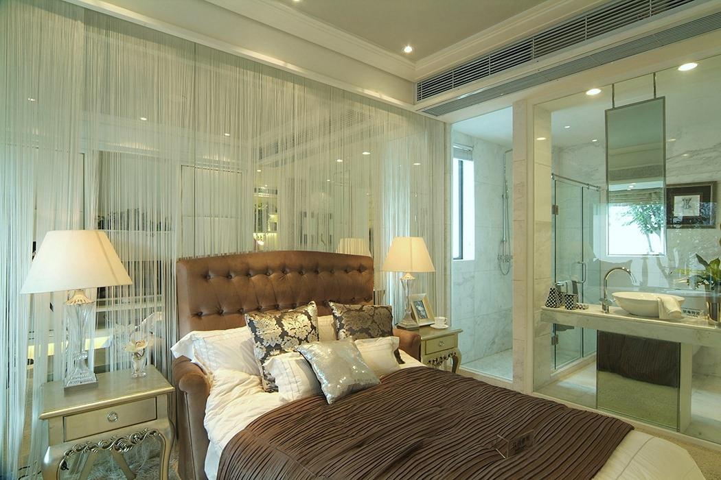 四居室卧室背景墙装修效果图