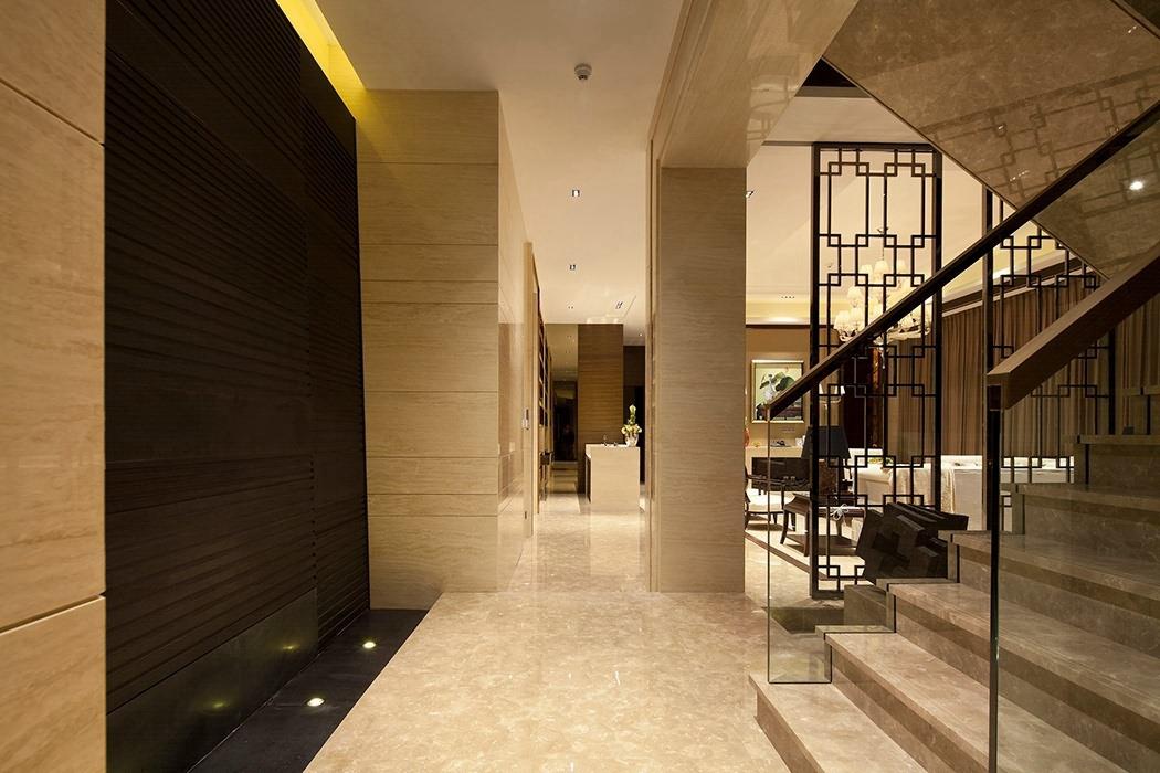 后现代风格过道/门厅隔断家装实例图