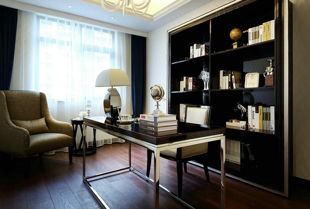 四居室书房书柜/架装饰图片