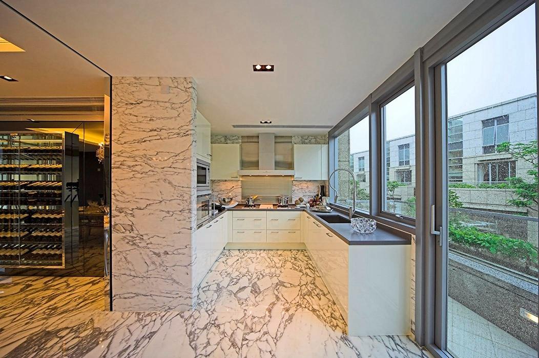 366平米厨房橱柜装修案例
