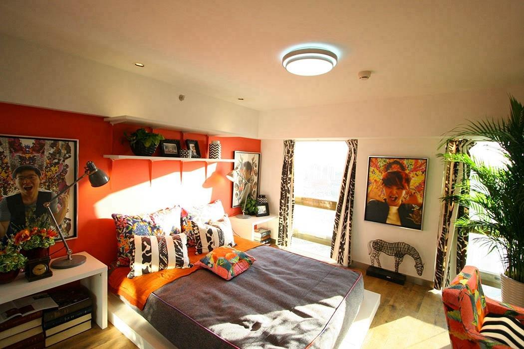 42平米卧室背景墙实例图